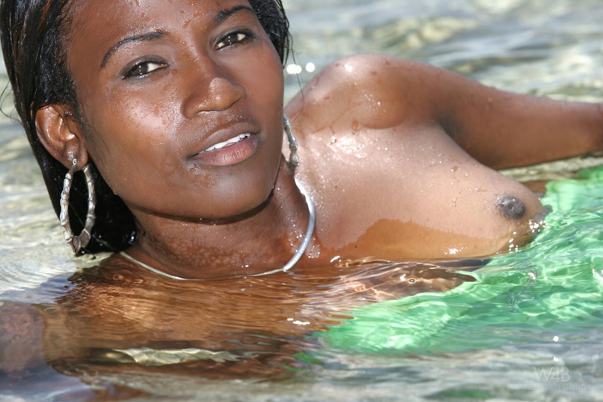 naked black girls free videos